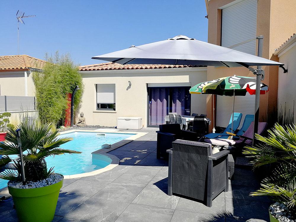 Location T2 terrasse piscine 04 opt